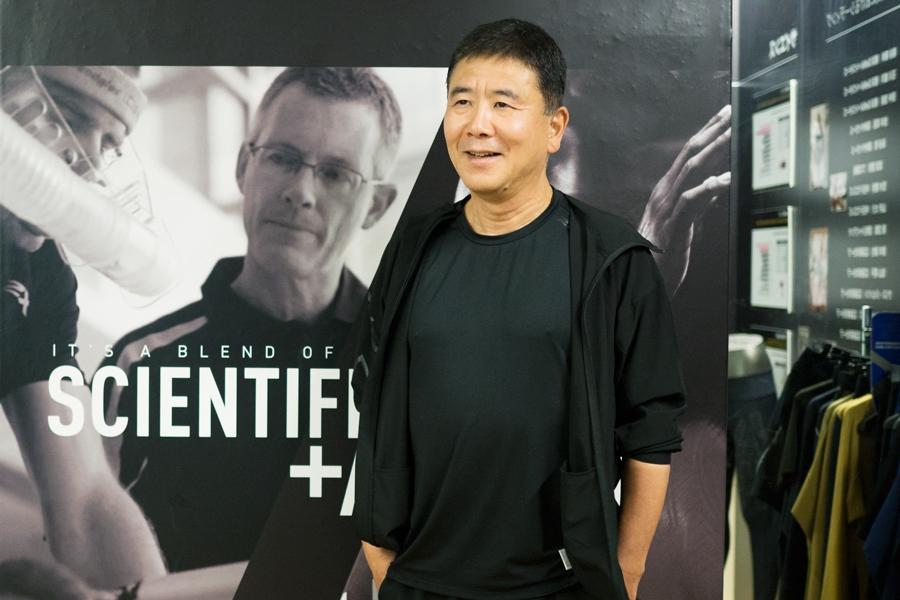 株式会社2XUジャパンの村山照夫 代表取締役社長