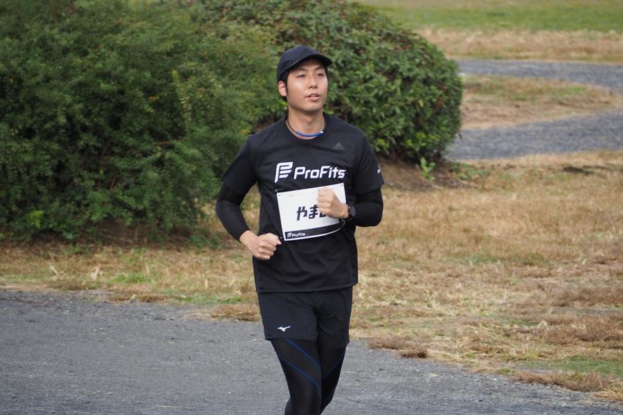 杉山さんも淡々と自分のペースで、着実に距離を重ねていきます。